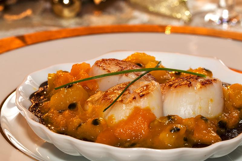 Saint Jacques rôties, sauce exotique plat très simple