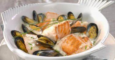 Recette moules au saumon et au vin blanc en cassolettes