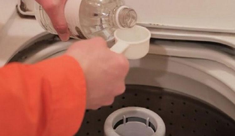 10 façons d'utiliser le vinaigre dans la machine à laver pour avoir des vêtements ultra-propres