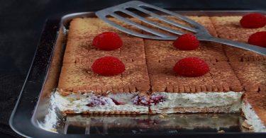 Gâteau de petits-beurre aux framboises desserts express