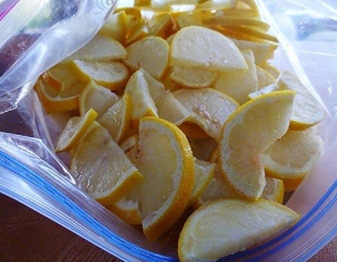 Voici pourquoi la congélation des citrons est l'une des meilleures choses que vous pouvez faire pour votre santé