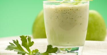 Du jus d'ananas et de concombre pour nettoyer le côlon et perdre du poids en 7 jours seulement !