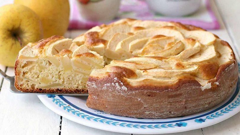 Gâteau moelleux au yaourt et aux pommes de mamie
