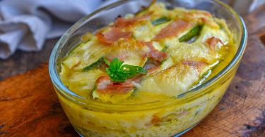 Gratin de courgettes au jambon et à la mozzarella