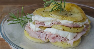 Millefeuille de pommes de terre jambon et mozzarella