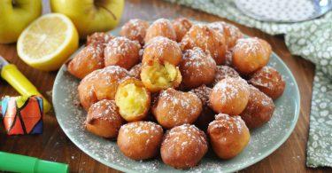 Petits beignets moelleux aux pommes et à la ricotta