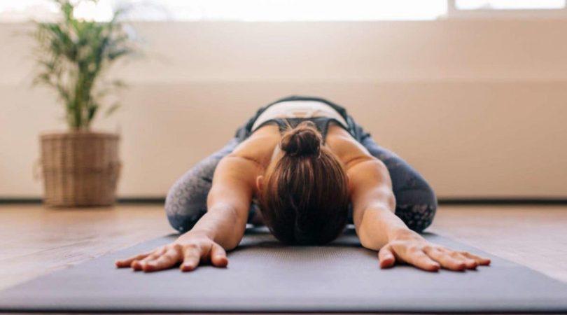 7 façons de soulager naturellement les maux de dos à la maison