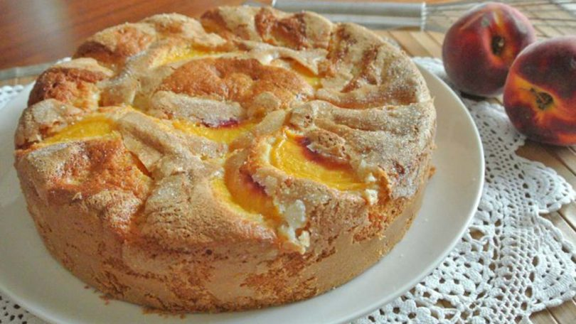 Gâteau aux pêches et au yaourt recette facile