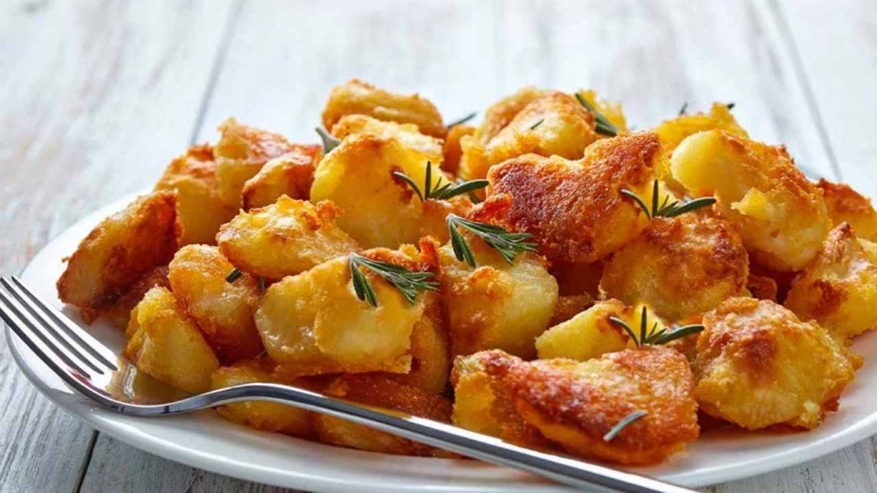 Pommes de terre au four et oignon recette facile