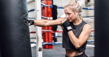 6 exercices de boxe pour tonifier les bras et raffermir la peau