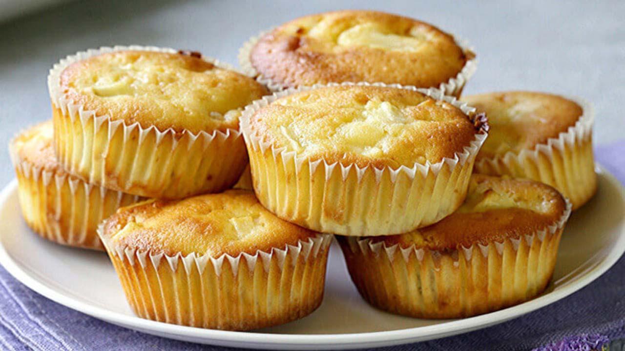 Muffins aux pommes avec un cœur fondant