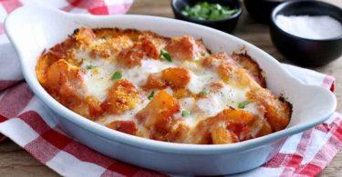 Pommes de terre à la tomate et mozzarella