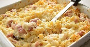 Gratin de pâtes au jambon et au fromage, prêt en 10 minutes !